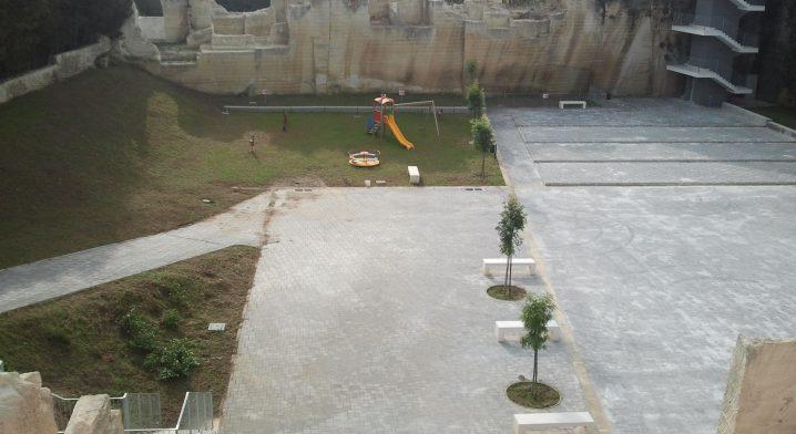 Parco attrezzato di quartiere via dei Ferrari - Foto #2345