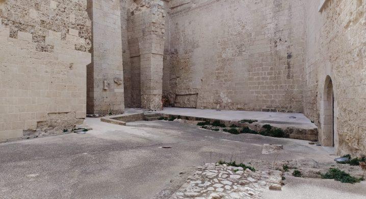 Locali siti al piano terra del Castello Angioino–Aragonese - Foto #4075