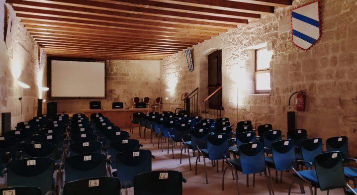 Locali siti al piano terra del Castello Angioino–Aragonese - Foto #4081