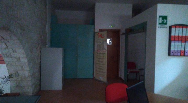 Immobile in via Piazza angolo via Macina - Foto #4565